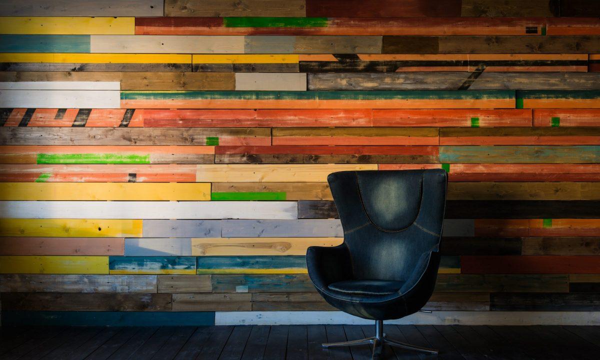 Drewno na ścianie - inspiracje