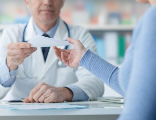 Pieczątka lekarska, pieczątka pielęgniarki i położnej – co powinna zawierać?