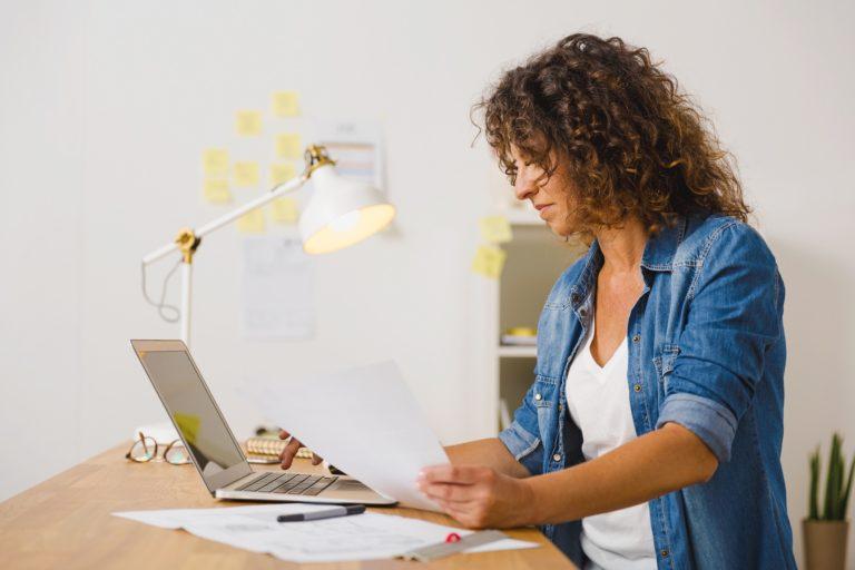 basniewlasnie.pl - Porządki w biurze – jak ułatwić sobie powrót do pracy z urlopu?